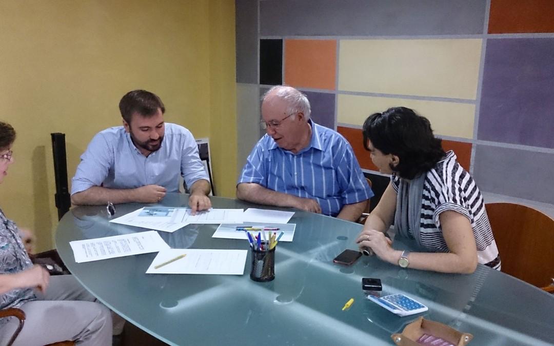 Reunión con D. Miguel Fernández Fariñas, principal impulsor del futuro Dispensario en Sto. Domingo
